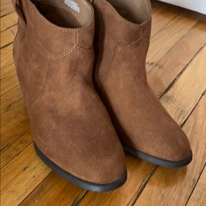 George ankle boots in excellent condition size 5